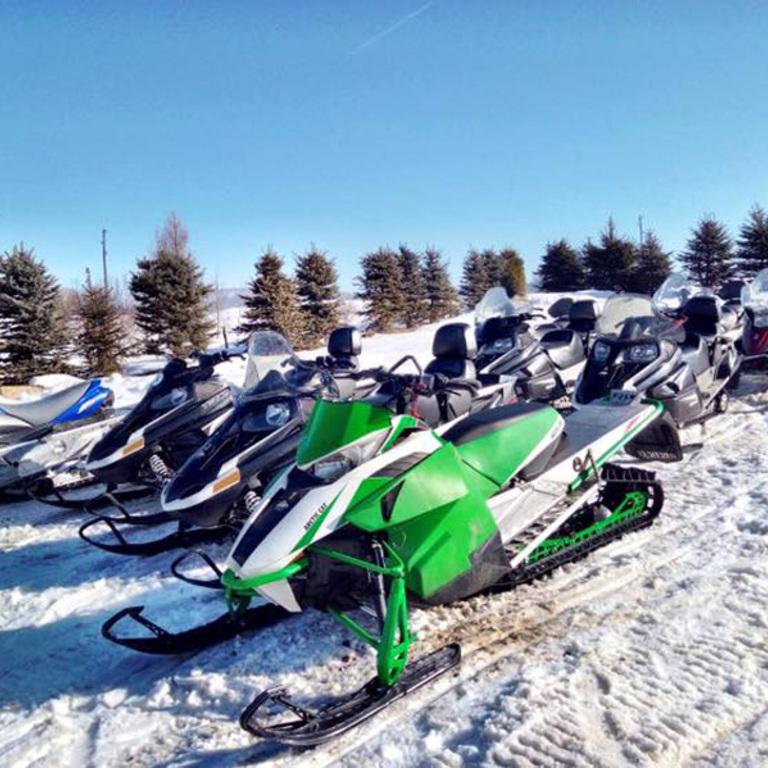 Skutery śnieżne w Tyliczu