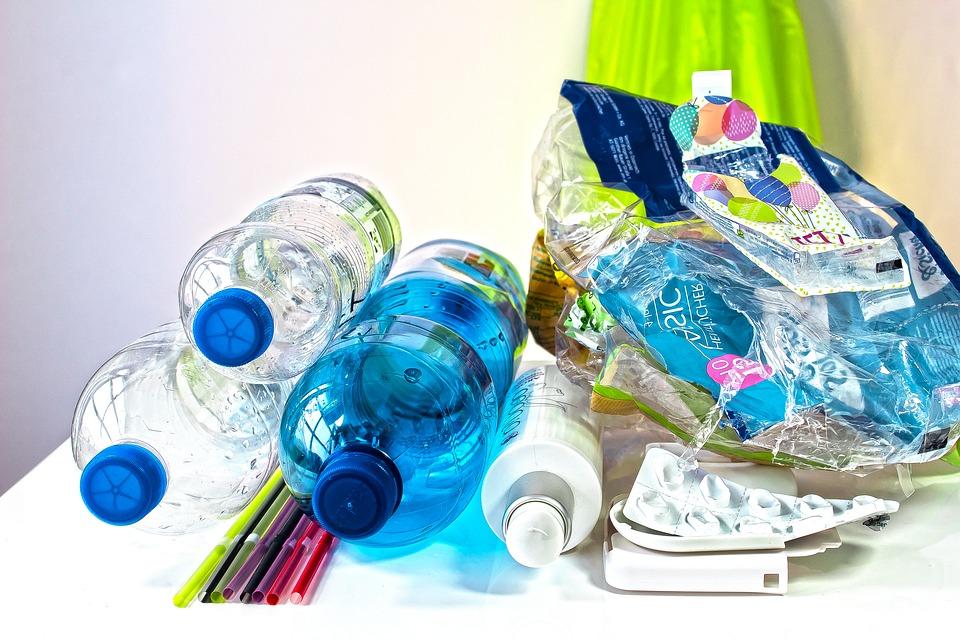 Kto ogrzewa dom śmieciami, srogo będzie ukarany photo